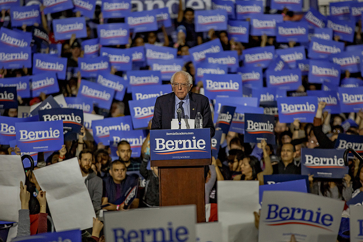 Bernie Sanders launches 2020 presidential campaign in NYC Chicago (Navy Pier pics)